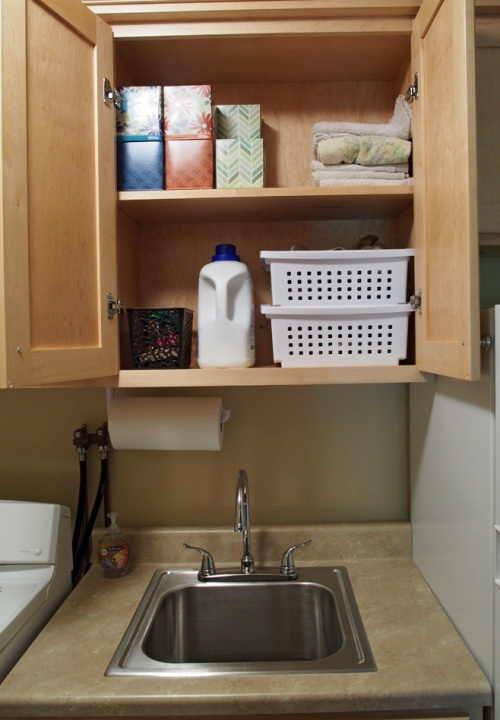laundry room - upper cabinets - interior with sink