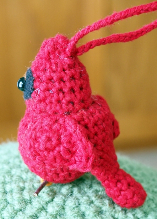 crochet cardinal - back view
