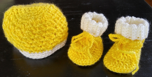 baby-hat-booties-yellow-white-lr